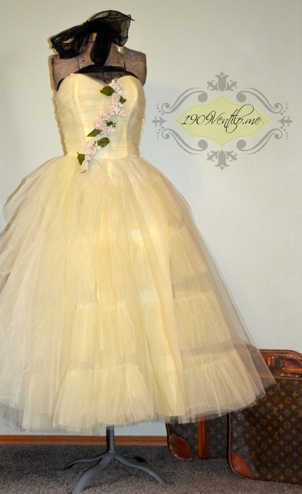 yellow50stulledress