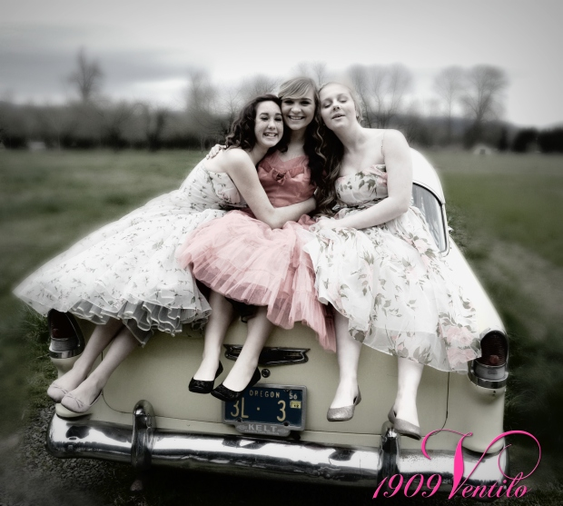 Vintage.Prom.Girls.55.Chevy